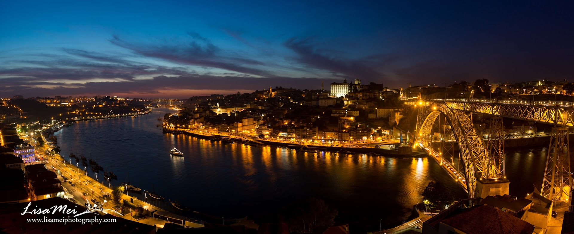 Night panorama of Porto