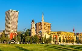 Площадь Скендеберг