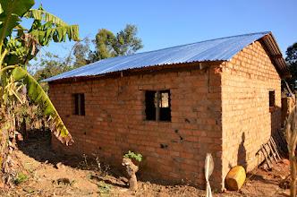 Photo: Střecha je hotová. Už je to dům.