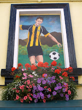 Photo: Design in blanked out window by Parkside school at The Cricketers pub - Cambridge united Fottballer