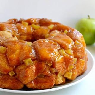 Easy Caramel Apple Monkey Bread.