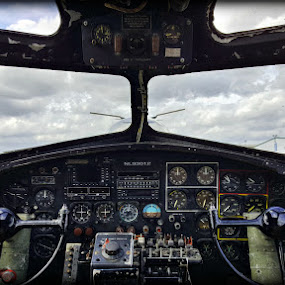 Cockpit of B17 by Larry Landry - Instagram & Mobile Android ( #vintage planes, wwii planes, #b-17flying fortress, #wwii bombers, #b-17 )