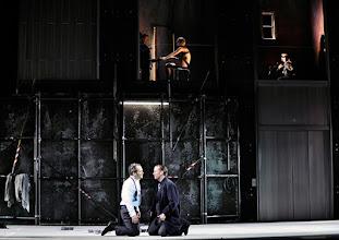 Photo: Theater an der Wien: La mère coupable Oper in drei Akten von Darius Milhaud . Premiere am 8.5.2015. Andrew Owens, Stephane Loges. Copyright: Barbara Zeininger