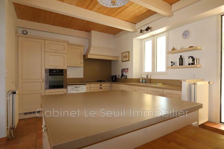 Vente maison 10 pièces 230 m² à Apt (84400), 320 000 €