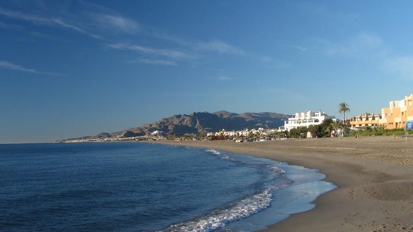 Los hechos ocurrieron en la playa de Vera.