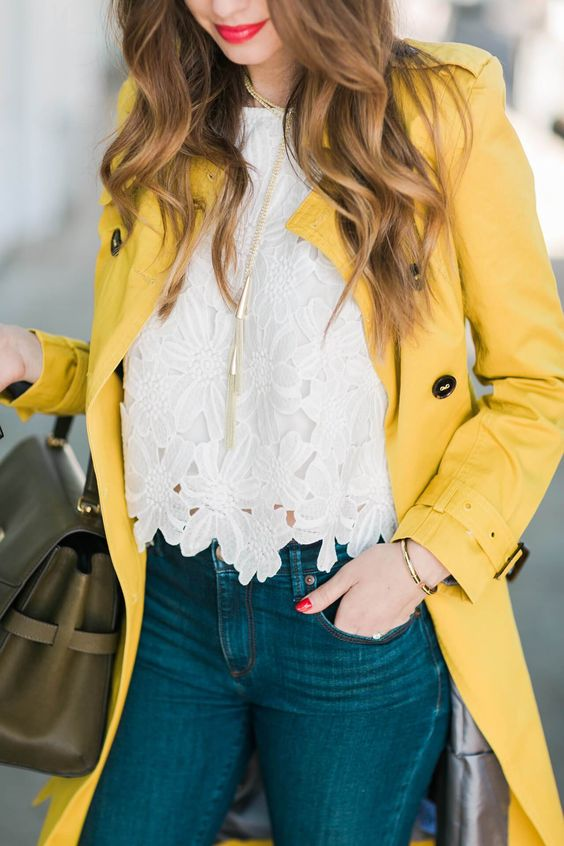 Romantic look with yellow coat, floral blouse and jeans for Warm Spring women