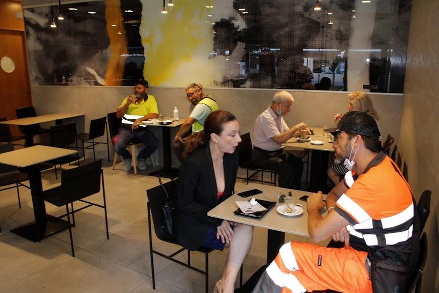 Café Colón.
