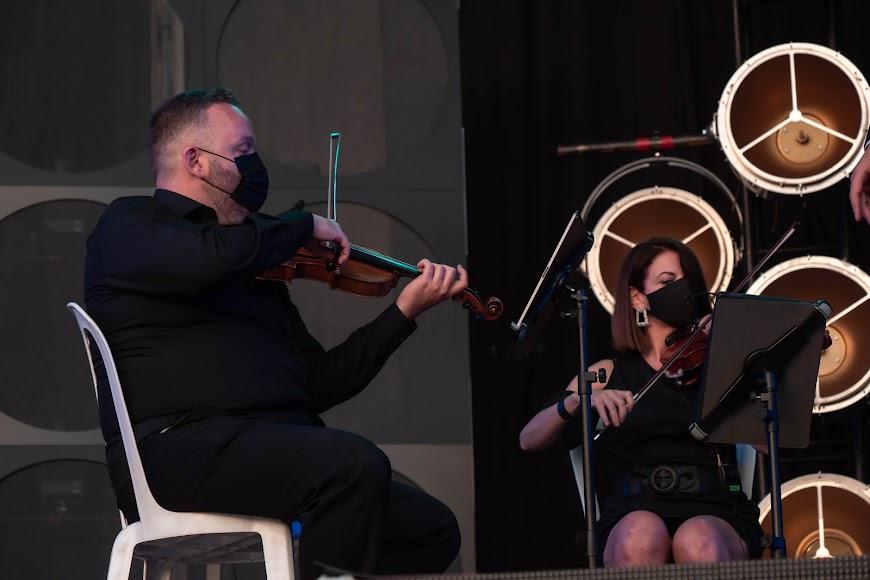 Uno de los miembros del quinteto de cuerda Diesis