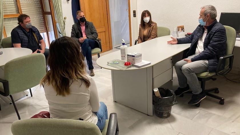 Reunión del delegado con los representantes institucionales de Dalías.