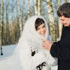 Wedding photographer Vera Shapurova (verun4ik). Photo of 13.02.2013