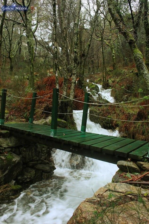 Puente sobre el Rego da Laxe do Avó