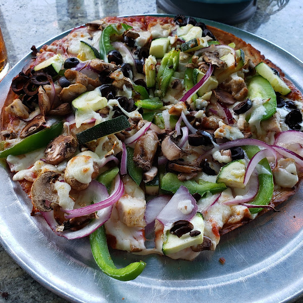 Vegetarian pizza (with roasted chicken)