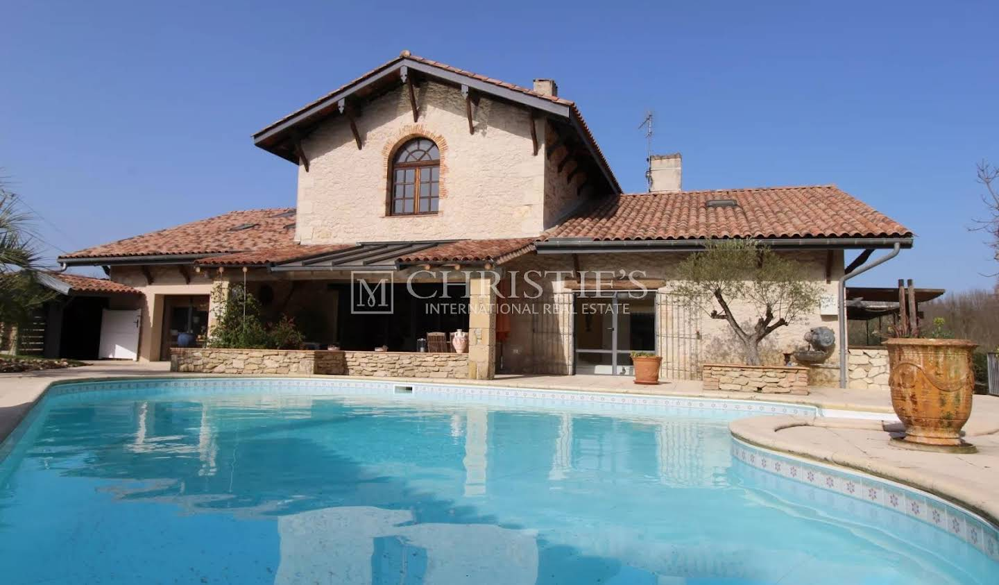House with pool Sauveterre-de-Guyenne