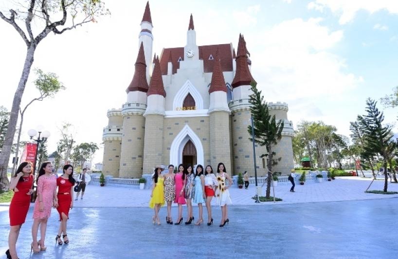 Thuê xe 7 chỗ đi Khánh Hòa tham quan khu du lịch Vinpearl Land