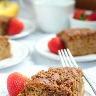 Strawberry Banana Coffee Cake with Crumb Top {Paleo}.