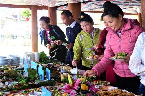 Hồ Pa Khoang, khai mạc sự kiện hoa anh đào 4