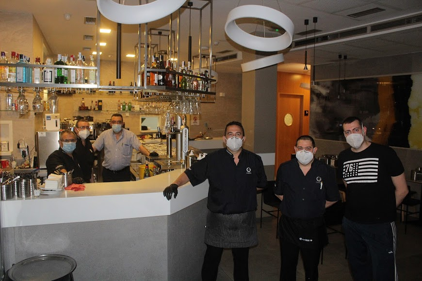 Profesionales de hostelería del Café Colón.