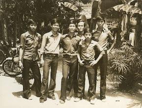 Photo: Từ trái sang: Nguyễn quang Huy - Lư thanh Sơn - Phạm đình Tiến - Ưng hồng Thu - Phạm ngọc Tuyên - Phạm gia Thành