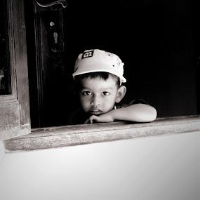 menatap masa depan by Qnoy Koemat - Babies & Children Child Portraits