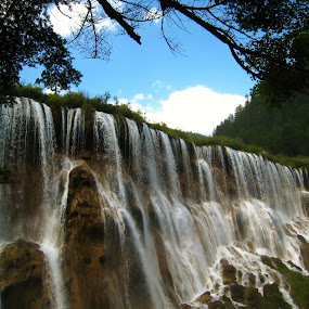 Nuorilang Waterfall in JiuZhaiGou by Won Yee Ong - Landscapes Waterscapes ( waterfall )