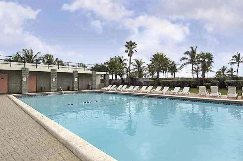 Holiday Inn Express and 38 Suites Miami Beach South Beach