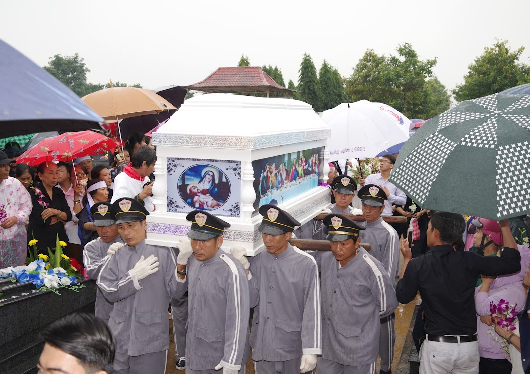 Thánh lễ an táng Cha Giuse Trần Ngọc Tâm - Chánh xứ Xuân Đức - Ảnh minh hoạ 48