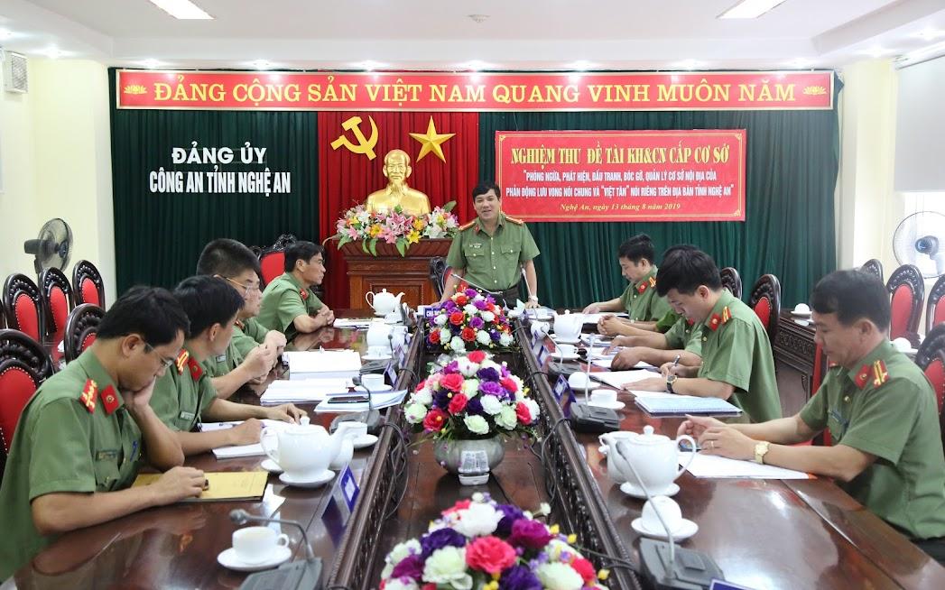 Đại tá Lê Khắc Thuyết, Phó Giám đốc Công an tỉnh chủ trì nghiệm thu đề tài khoa học và công nghệ cấp cơ sở