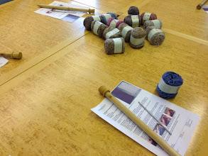 Photo: Söndagförmiddag hade Anette från Garnverket workshop i Kvastskaftsvirkning.