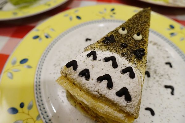 超可愛龍貓千層!!! 夢幻下午茶,Chez moi 榭茉瓦千層蛋糕,亞力的家法式薄餅,近新堀江.新光三越.大遠百。