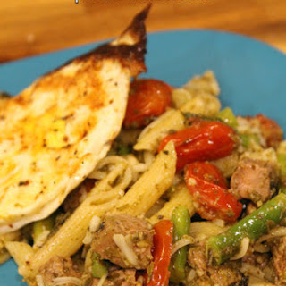 Roasted Tomato and Asparagus Pesto Pasta with Steak.