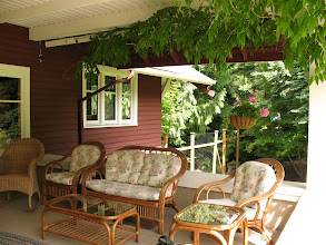 Photo: Day 6: Kangaroo House B&B front porch. Plenty of chairs for lounging and talking.