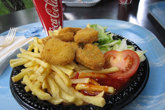 Foto: Jodå, killarna fick vad de önskade att äta - själv tog jag en Chicken Nuggets...