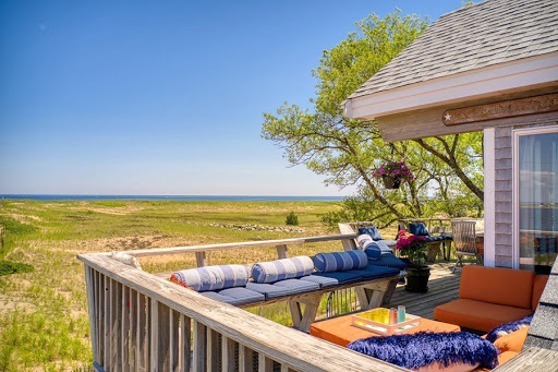 On the Market: A Contemporary Beachside Home on Plum Island