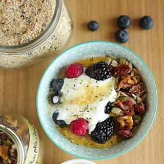 Protein Packed Breakfast Porridge With Oats, Quinoa and Chia.