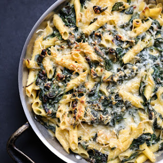 "Healthy Mac and Cheese with ""Creamed"" Spinach (Gluten-Free)"