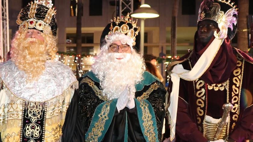 Los Reyes Magos en la Plaza Mayor de El Ejido.
