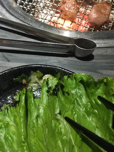 醬料選擇少,肉太油,生菜還爛爛的⋯