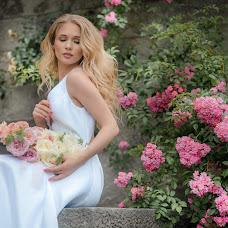 Wedding photographer Galina Mescheryakova (GALLA). Photo of 19.07.2018