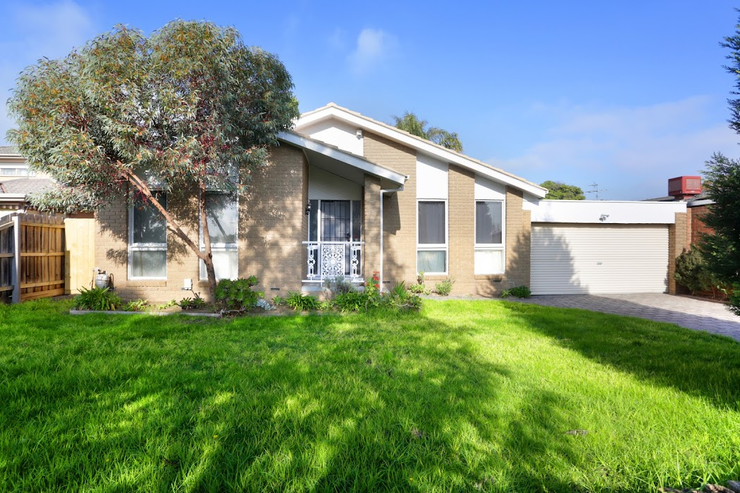 Main photo of property at 86 Redleap Avenue, Mill Park 3082