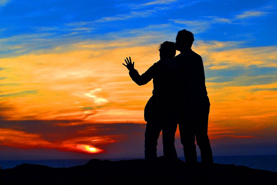 California Sunsets. by Franklin Keck - People Couples