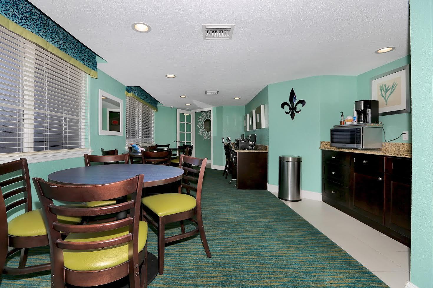 Atlantic Terrace Condominiums Picture Number 4