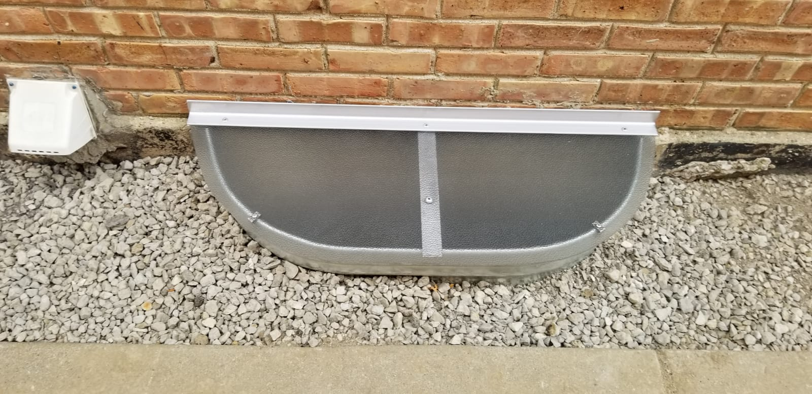 Wauconda, IL-HandyManny Custom Window Well Covers
