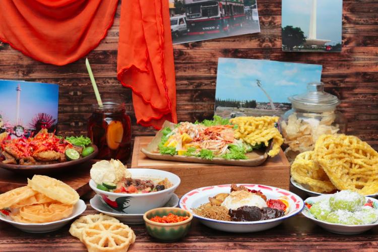 Berbagai makanan betawi di Restoran Satoo, Hotel Shangri-La, Jakarta. Diantaranya, asinan betawi, nasi uduk betawi, soto betawi dan masih banyak lagi.
