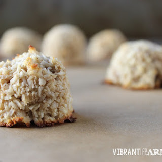 21 Day Sugar Detox Banana Coconut Macaroons.