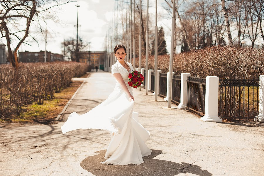 Wedding photographer Anya Grebenkina (grebenkinaann). Photo of 17.06.2017