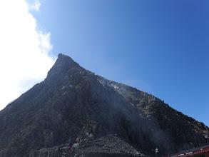 奥穂高岳方面を仰ぐ
