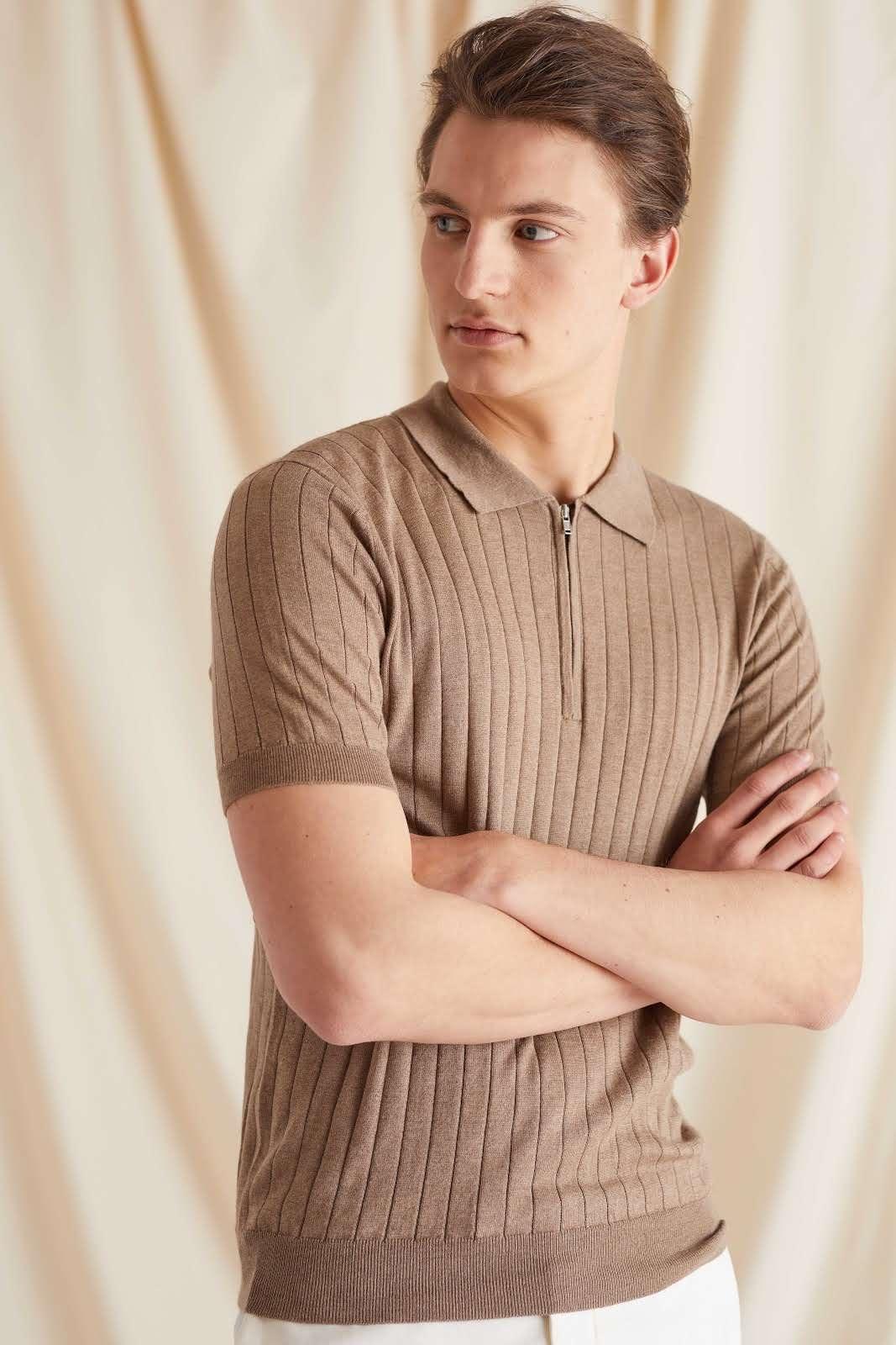 Man Fine Knit Rib Zip T-shirt