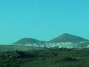 Photo: typical view on lanzarote #2 (everything is black) ~ http://jarogruber.blogspot.de/2016/01/lanzarote.html