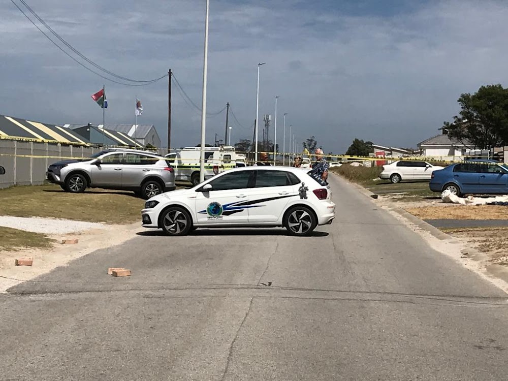 Father shot dead outside Port Elizabeth school - SowetanLIVE