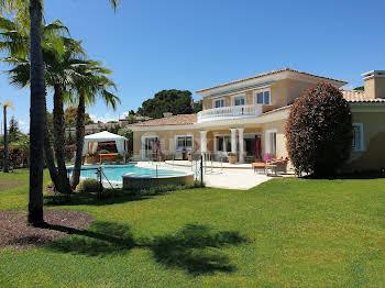 Villa 6 pièces 237 m2